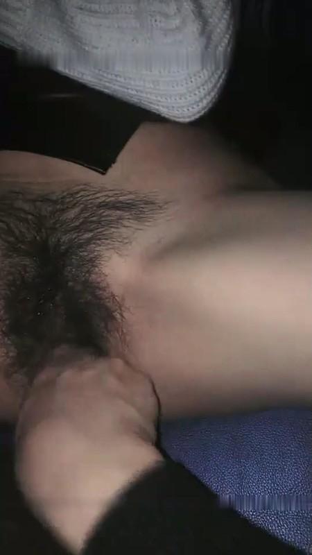 美腿蜜臀尤物Avove破洞牛仔高跟那双笔直又长的美腿绝对数一数二